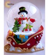 """Снежный шар """"Снеговики в санях"""""""